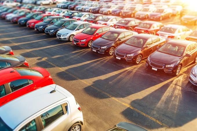 Estacionamento de carros
