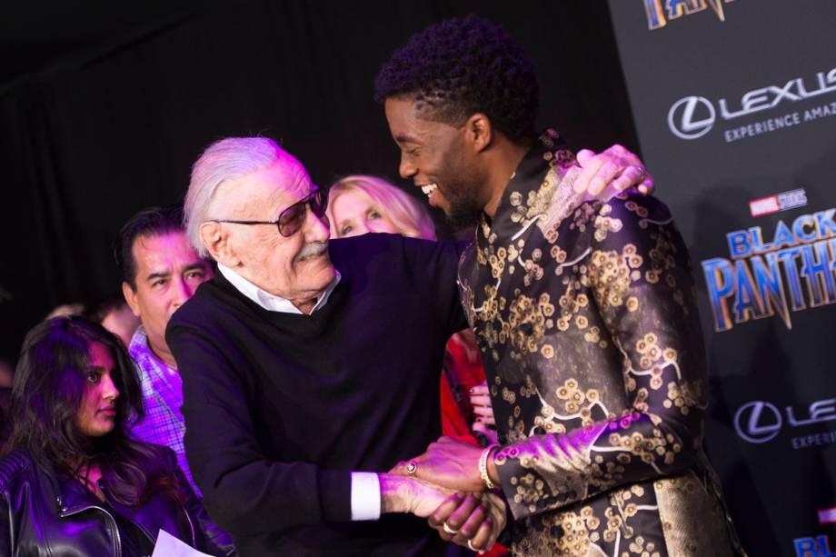 Stan Lee e Chadwick Boseman na cerimônia de estreia do filme Pantera Negra em Hollywood, Califórnia - 29/01/2018