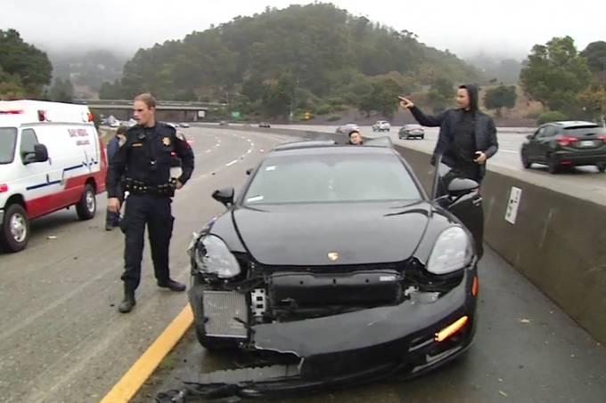 Stephen Curry se envolve em acidente de carro