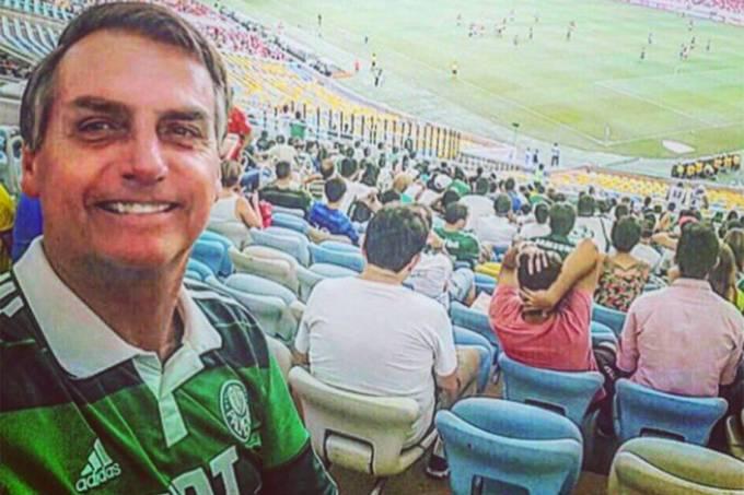 Jair Bolsonaro com a camiseta do Palmeiras