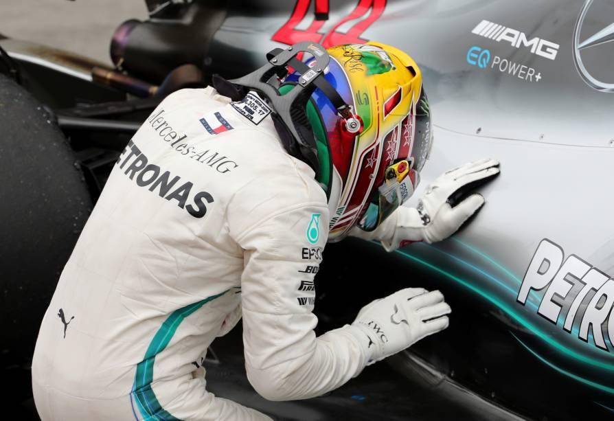 O piloto britânico Lewis Hamilton comemora após vencer o Grande Prêmio do Brasil de Fórmula 1 - 11/11/2018