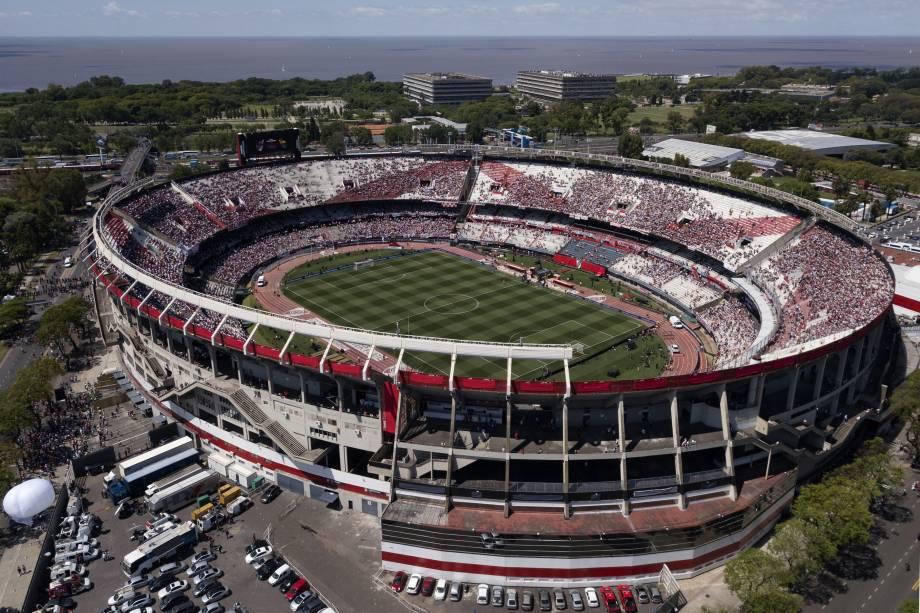 Vista aérea mostra o estádio Monumental de Nuñez em Buenos Aires antes da final da Copa Libertadores entre River Plate e Boca Juniors - 24/11/2018