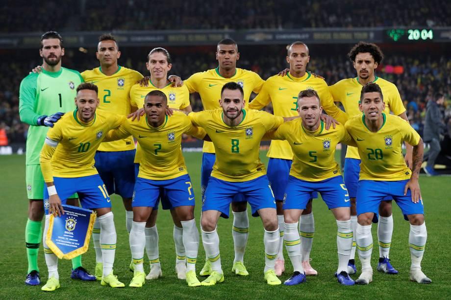 Jogadores da Seleção Brasileira posam para foto antes de amistoso contra o Uruguai, em Londres - 16/11/2018