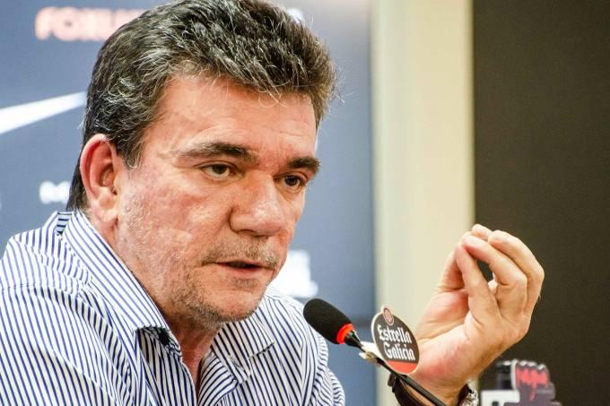 Duilio diz que clubes pediram Andrés em reunião da liga