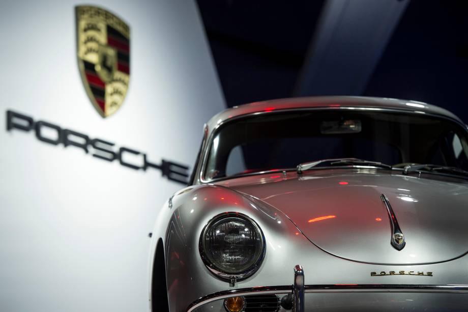 Réplica do Porsche 356 é apresentado durante a abertura do Salão do Automóvel 2018 para a imprensa, no São Paulo Expo - 06/11/2018