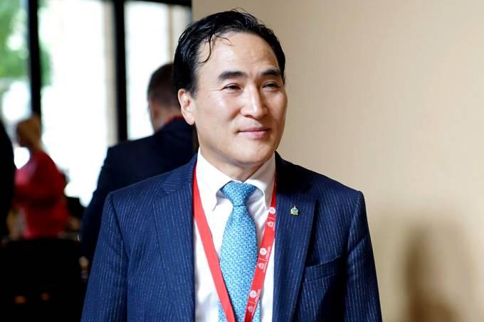 Kim Jong Yang, sul-coreano eleito novo presidente da Interpol