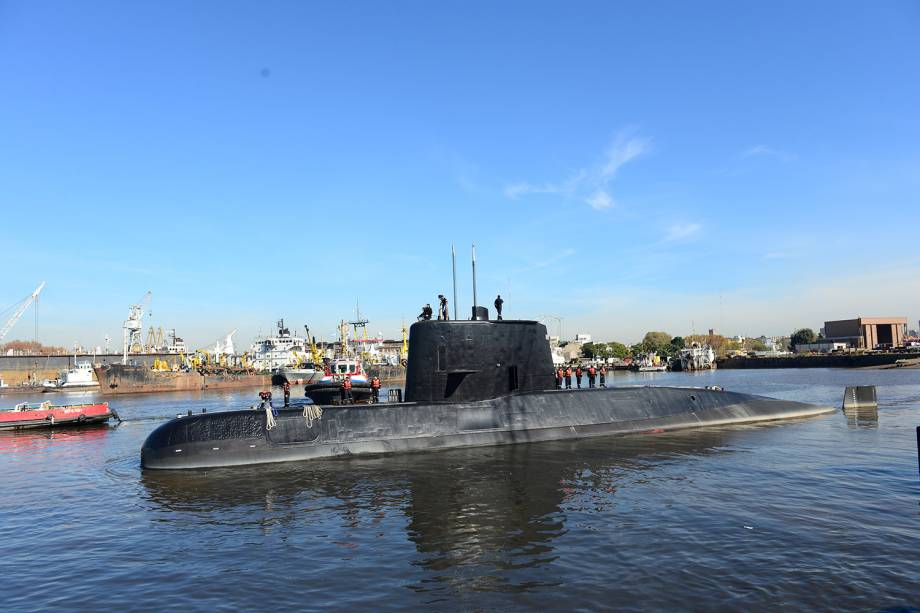 Submarino militar argentino ARA San Juan - 02/06/2014