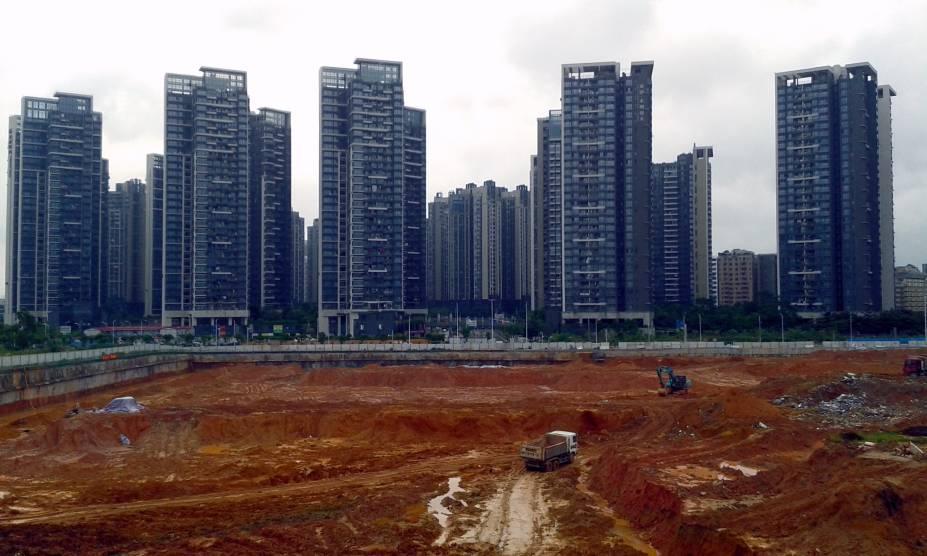 Prédios em construção em Shenzhen, China, na década de 1980