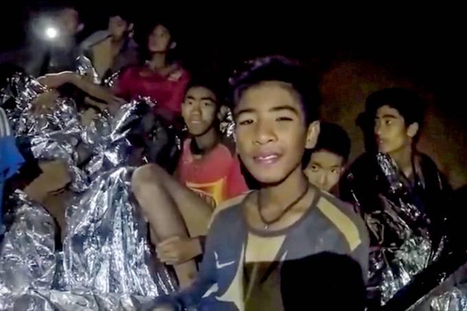 Time de futebol preso em caverna de Tham Luang