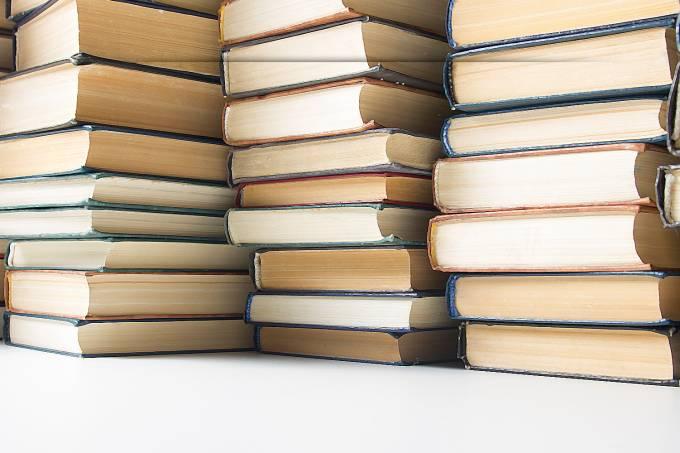 base-bg-livros-2018