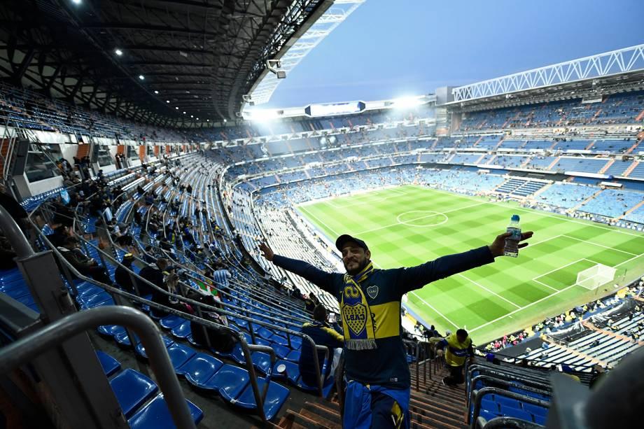 Torcedores do Boca Juniors aguardam o início da partida contra o River Plate no estádio Santiago Bernabéu em Madri, Espanha - 09/12/2018