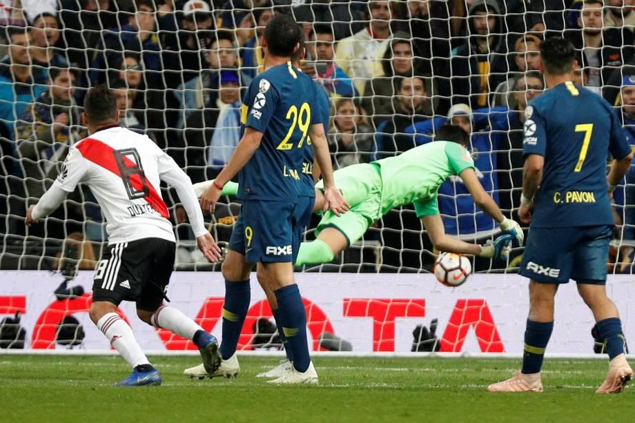 Juan Quintero do River Plate marca segundo gol da partida contra o Boca Juniors em Madri, Espanha - 09/12/2018