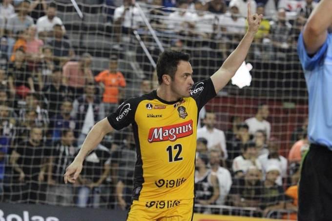 Falcão marcou um gol em sua última partida como profissional