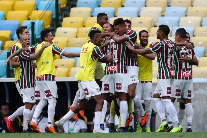 Fluminense comemora após não ser rebaixado no Campeonato Brasileiro
