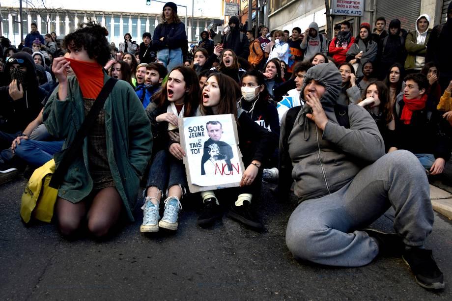 Estudantes protestam contra as reformas da educação do governo em Marselha, sul da França - 05/12/2018