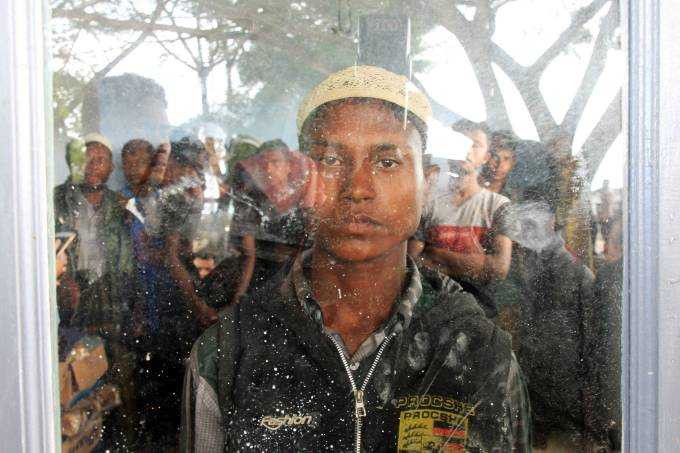 Refugiados rohingya chegam à Indonésia
