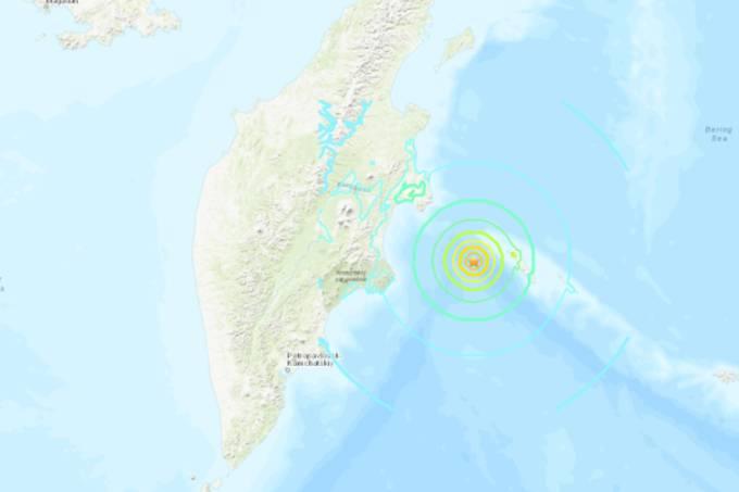 Terremoto de 7,4 atinge a Rússia