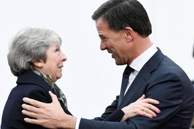 Theresa May e Mark Rutte