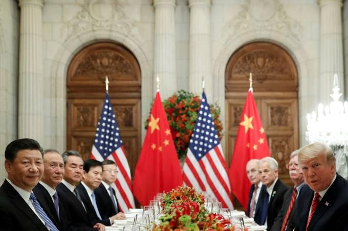 Donald Trump e Xi Jinping durante conferência do G20