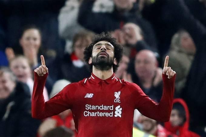 Salah comemora gol na vitória do Liverpool sobre o Napoli em partida válida pela última rodada da fase de grupos da Copa dos Campeões da Europa – 11/12/2018