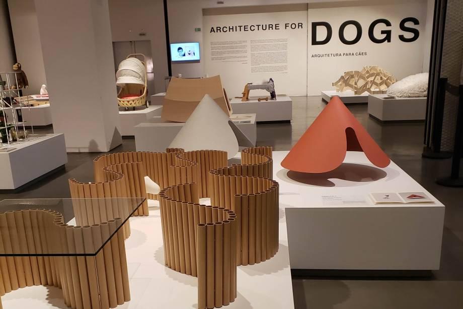 Exposição reúne projetos arquitetônicos conceituais para cães