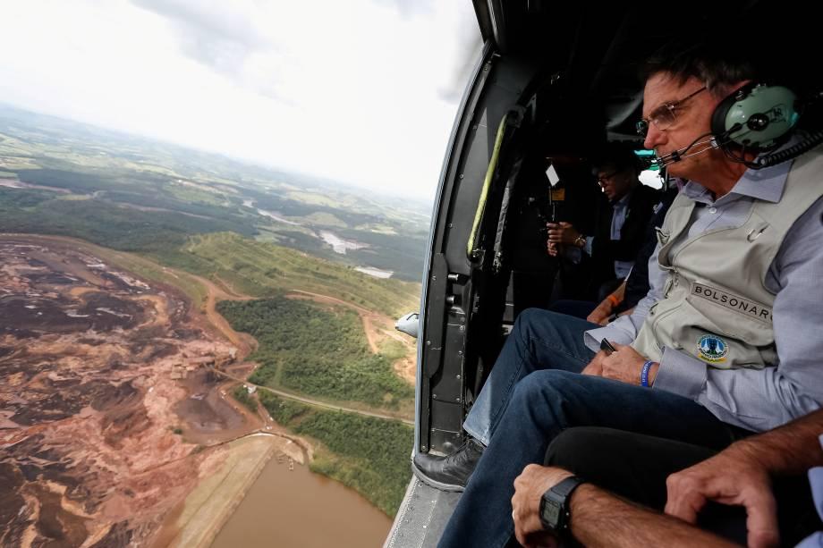 Presidente Jair Bolsonaro sobrevoa região atingida pelo rompimento da barragem Mina Córrego do Feijão, em Brumadinho (MG) - 26/01/2019