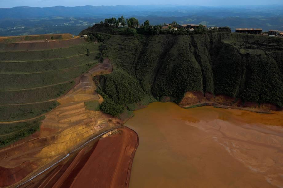 Vista aérea da barragem propriedade da mineradora brasileira Vale SA que se rompeu, em Brumadinho, Minas Gerais - 25/01/2019