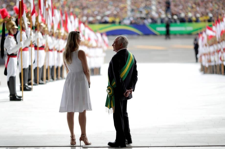Michel Temer e sua esposa, Marcela Temer, aguardam o novo presidente do Brasil, Jair Bolsonaro, no Palácio do Planalto, em Brasília - 01/01/2019