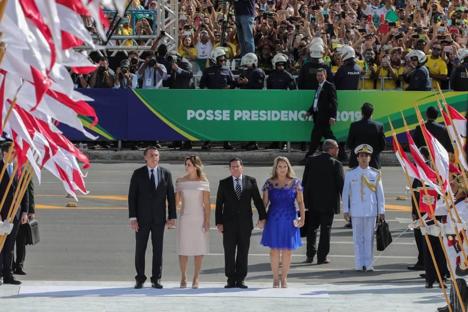 Presidente Jair Bolsonaro, sua esposa Michelle Bolsonaro, o vice-presidente Hamilton Mourão e sua esposa Paula Mourão chegam ao palácio do Planalto em Brasília - 01/01/2018