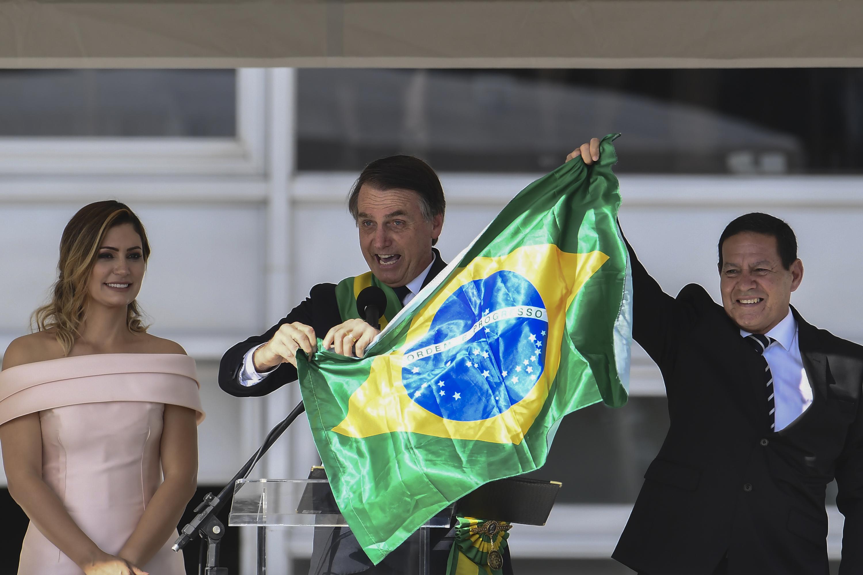 Leia a íntegra dos dois primeiros discursos do presidente Jair Bolsonaro    VEJA