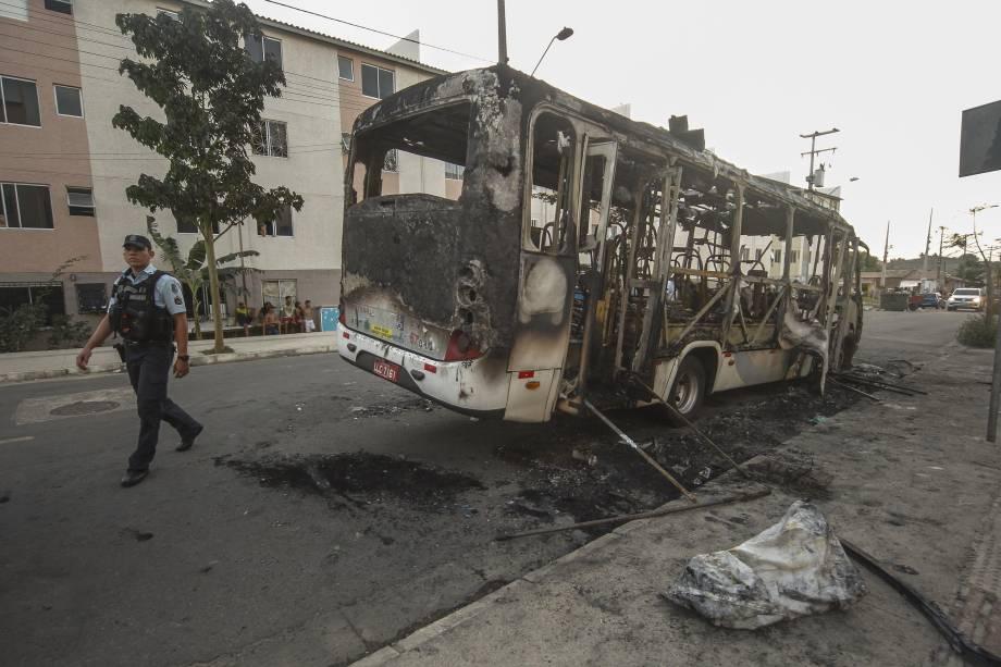 Policiais fazem escoltas de ônibus após onda de ataques em Fortaleza, no Ceará - 03/01/2019