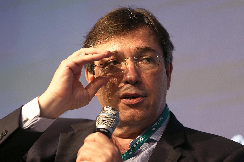 Pressões políticas impedem nomeação de novo presidente da Eletrobras