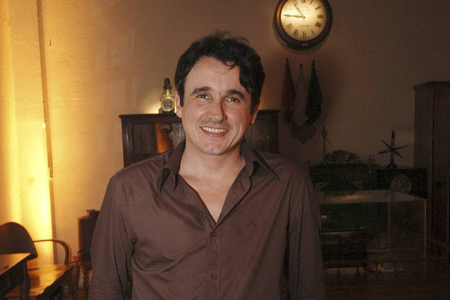 """Caio Junqueira durante a festa de lançamento da novela """"Desejo Proibido"""", da Rede Globo, no Memorial do Imigrante - 10/28/2007"""