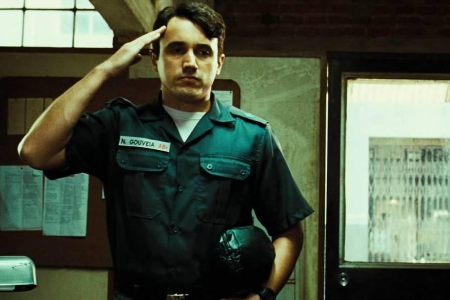 "Caio Junqueira no filme ""Tropa de Elite"", de José Padilha"