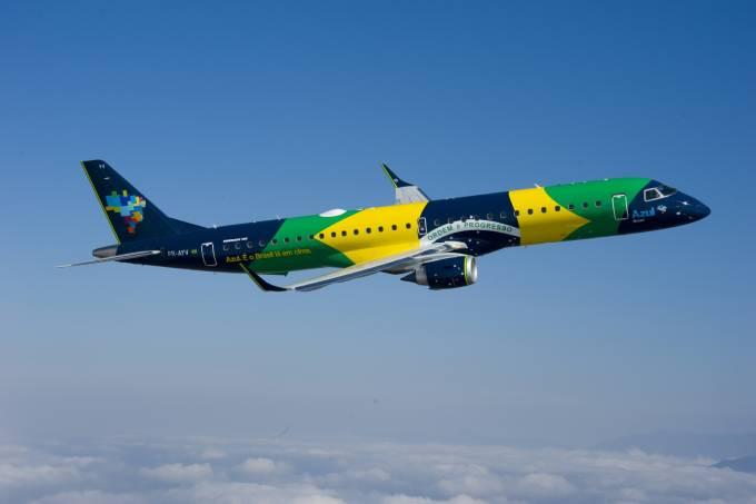com-pintura-especial-a-aeronave-bandeira-cruza-o-brasil-de-norte-1383760550987