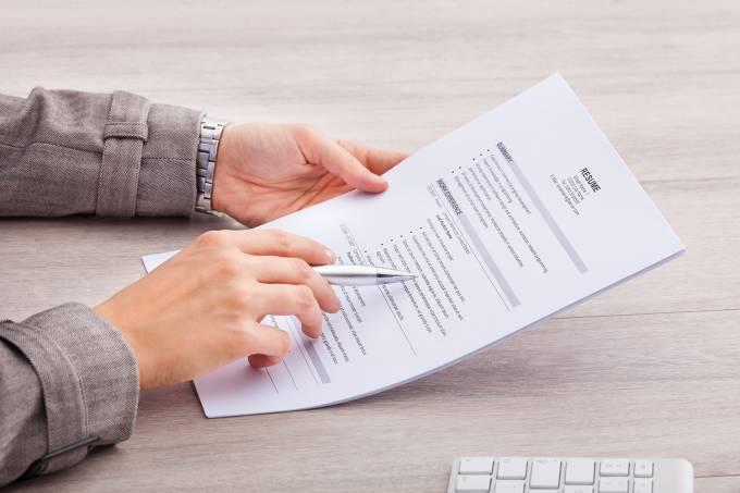 Modelo de currículo ou contrato