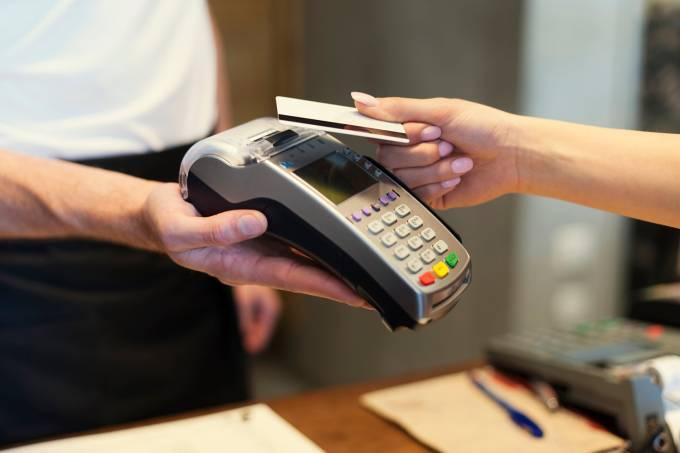 Economia – Máquina de cartão