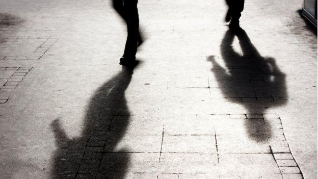 homem ─ sombra