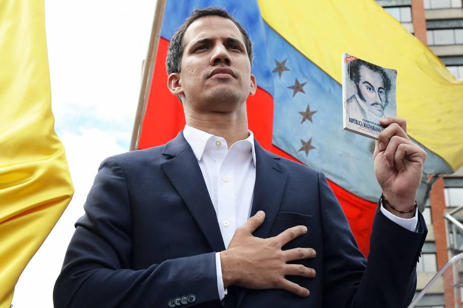 Juan Guaidó, presidente da Assembleia Nacional da Venezuela, realiza juramento e se declara presidente interino do país - 23/01/2019