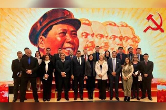 Congressistas do PSL na China – Montagem