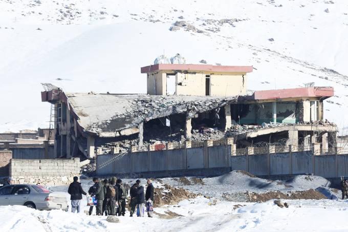 Ataque com carro-bomba no Afeganistão