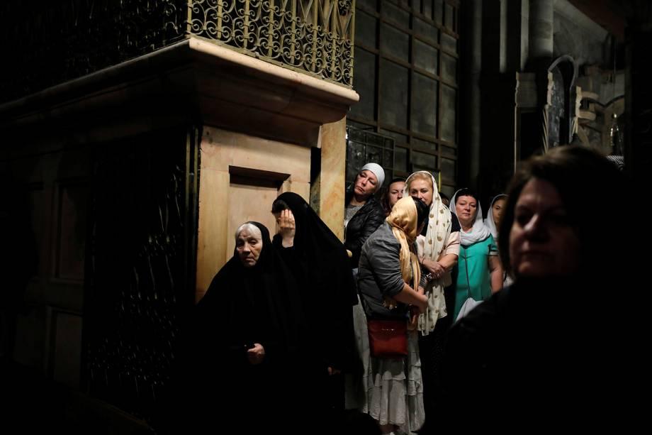 Fiéis visitam a Igreja do Santo Sepulcro na Cidade Velha de Jerusalém - 18/11/2018