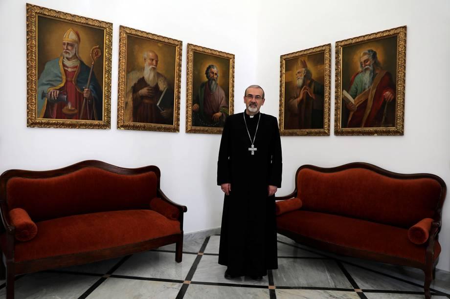 Sua Excelência, o Arcebispo Pierbattista Pizzaballa, Administrador Apostólico do Patriarcado Latino de Jerusalém, posa para fotografia no Patriarcado Latino na Cidade Velha de Jerusalém - 22/03/2018