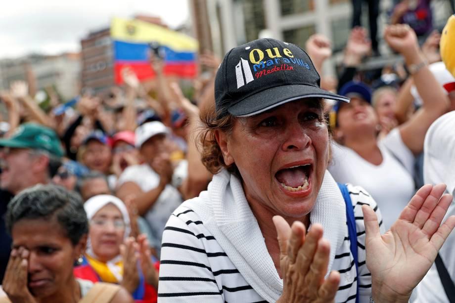 Manifestante participa de marcha contra o presidente Nicolás Maduro em Caracas, Venezuela - 23/01/2019