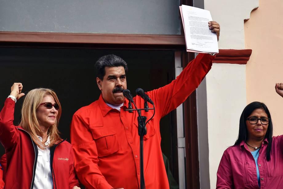 O presidente venezuelano Nicolás Maduro, discursa para seus apoiadores em Caracas, após Juan Guaidó fazer juramento solene e se declarar presidente interino do país - 23/01/2019