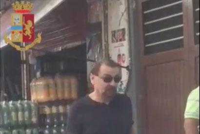 Cesare Battisti aparece em vídeo caminhando em Santa Cruz de La Sierra, na Bolívia, antes de ser preso