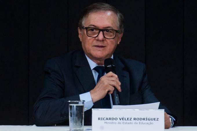 Ricardo Vélez Rodriguez, Ministro da Educação
