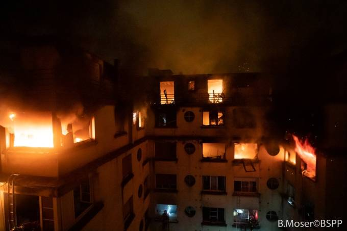 Residential building is engulfed in flames in Paris