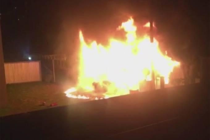 Ninho do Urubu: Centro de Treinamento do Flamengo pega fogo durante a madrugada