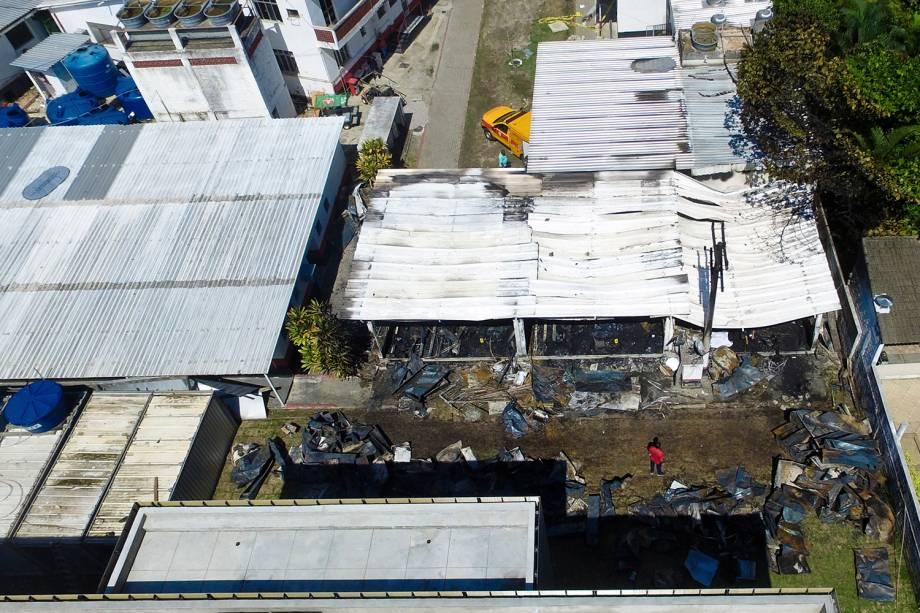 Fotografia aérea mostra o alojamento do CT Ninho do urubu, do Flamengo, após o incêndio - 08/02/2019
